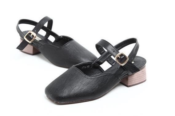 sandals supplier